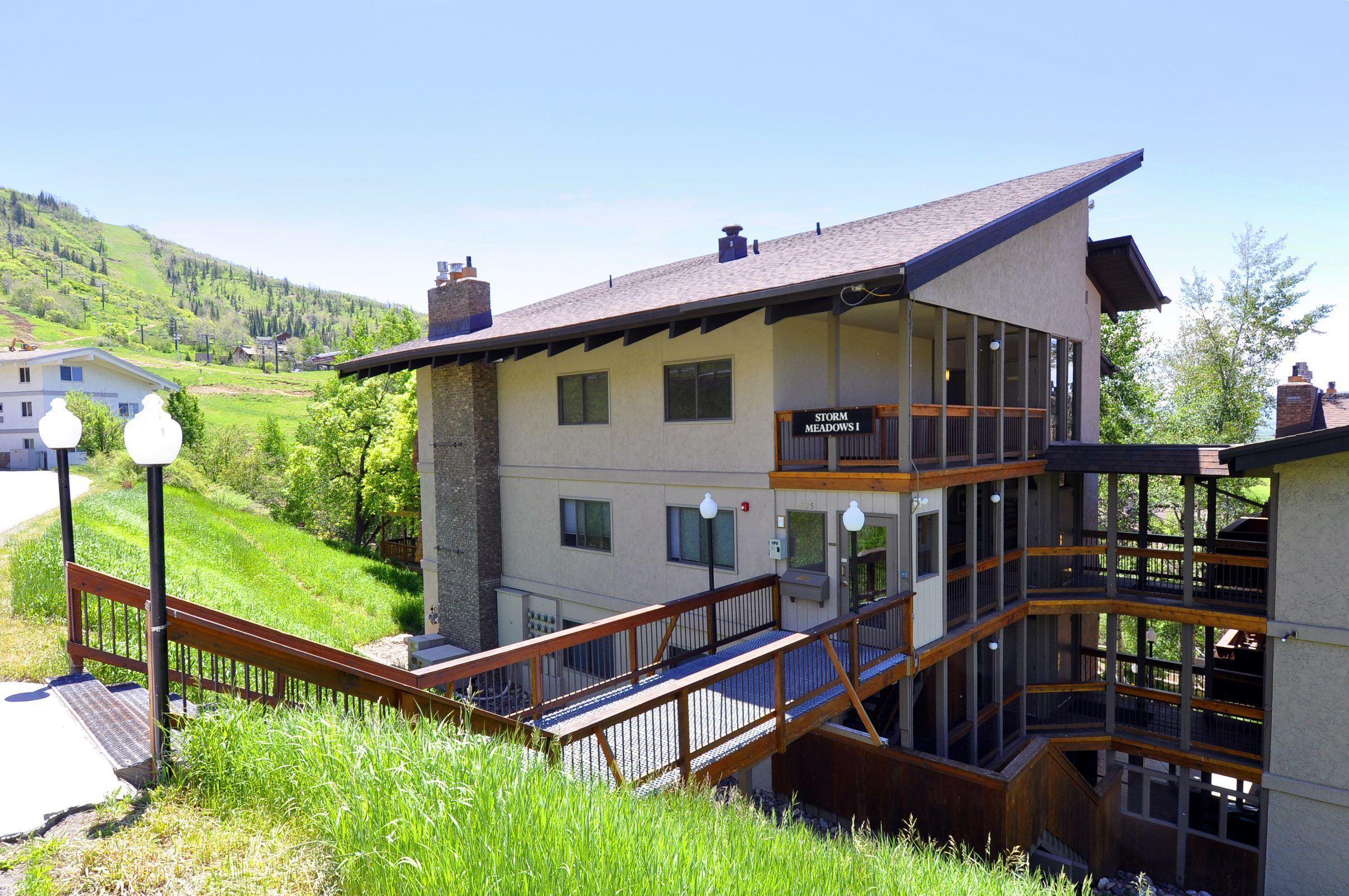 storm meadows at christie base steamboat springs lodging. Black Bedroom Furniture Sets. Home Design Ideas