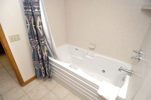 Guest_Bath_Tub