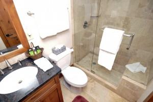 SM380_Bathroom2