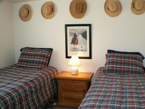 QR3356_Bedroom_3