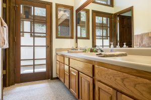 Steamboat Master Bathroom